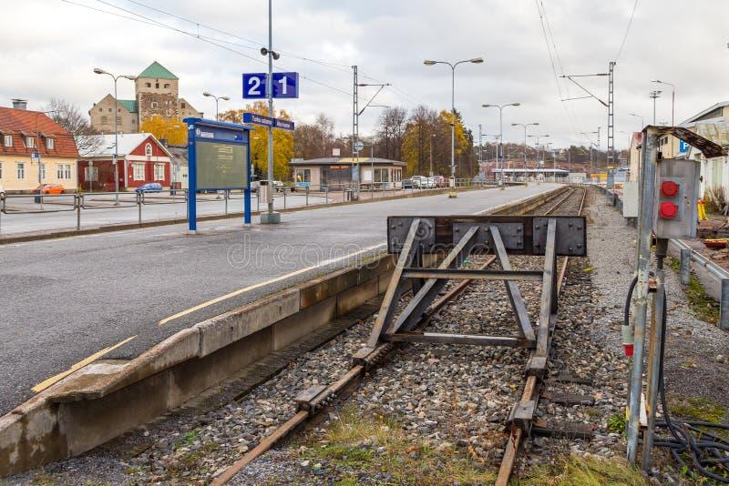 Ferrocarril del extremo vacío en Turku finlandia fotos de archivo