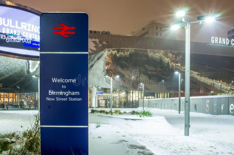 Ferrocarril en la nueva calle de Birmingham, Reino Unido imagen de archivo