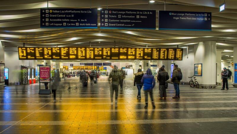 Ferrocarril en la nueva calle de Birmingham, Reino Unido foto de archivo