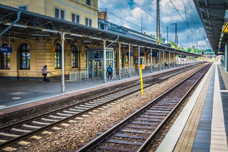 Ferrocarril en Riesa, Sajonia imagenes de archivo