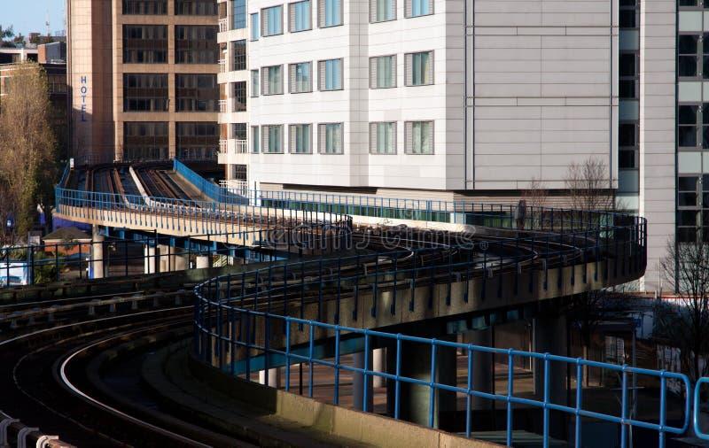 Ferrocarril ligero de los Docklands imágenes de archivo libres de regalías