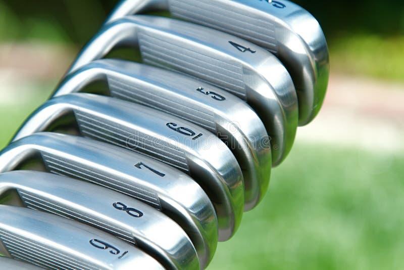 Ferros do golfe imagens de stock
