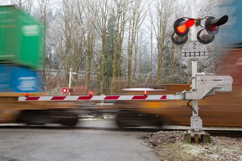Ferrovia di incrocio rossa immagini stock