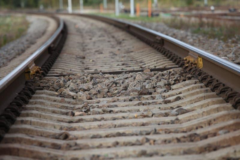 Ferrovia, linee ferroviarie, ghiaia, binari ferroviari immagine stock