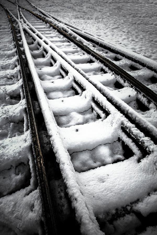 Ferrovia nell'inverno immagini stock libere da diritti