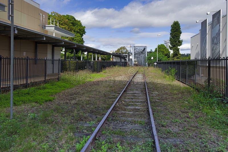 Ferrovie sopra il ponte che attraversa il fiume di Bremer a Ipswich immagini stock libere da diritti