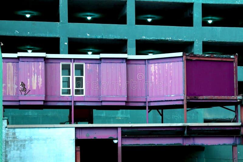 Download Ferrugem urbana foto de stock. Imagem de aço, feixes, janela - 544736