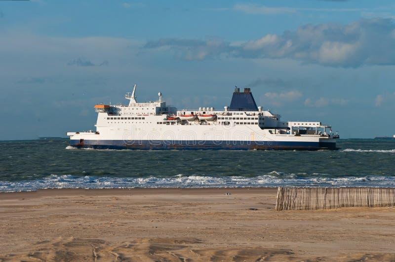 Ferry à travers la Manche photos libres de droits