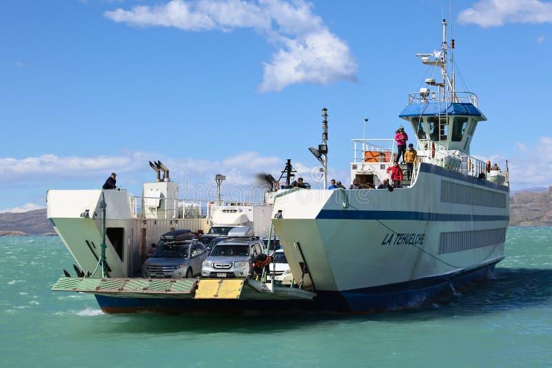 Ferry Arriving in Puerto Ibanez, Chile arkivbild