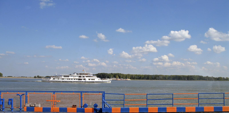 Ferry-boat de la Roumanie - du Galati Danube image libre de droits