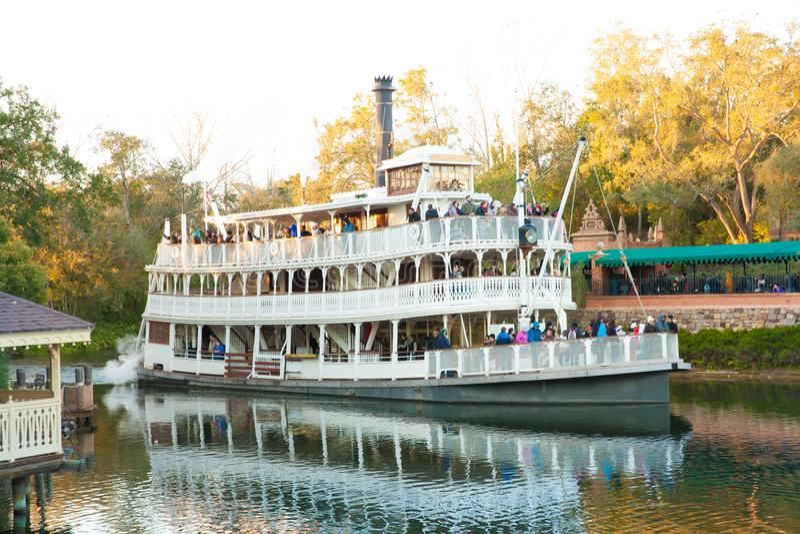 Ferry-boat en monde de Disney image libre de droits