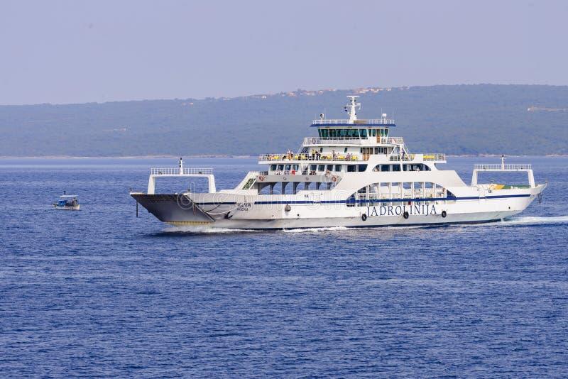 Ferry-boat Ilovik sur l'itinéraire régulier photo libre de droits