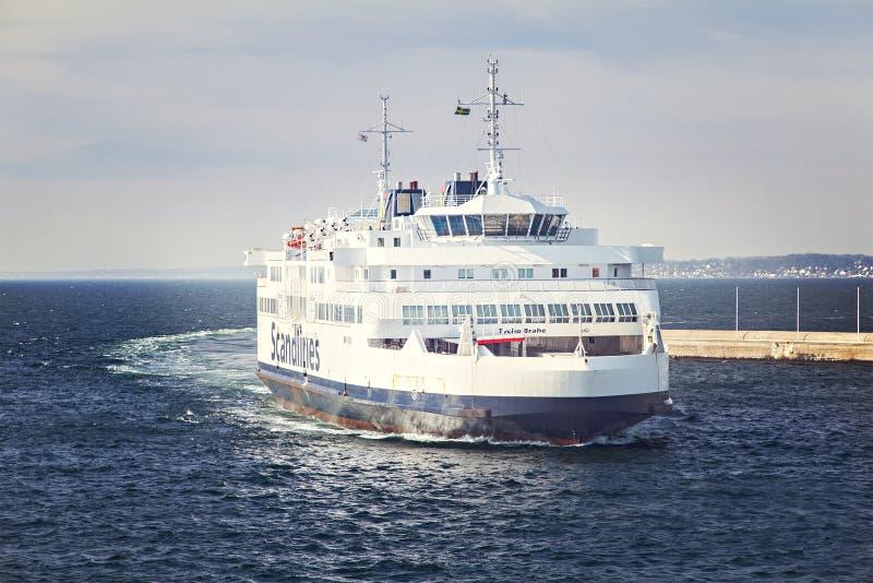 Ferry-boat transportant des passagers du Danemark Suède images libres de droits