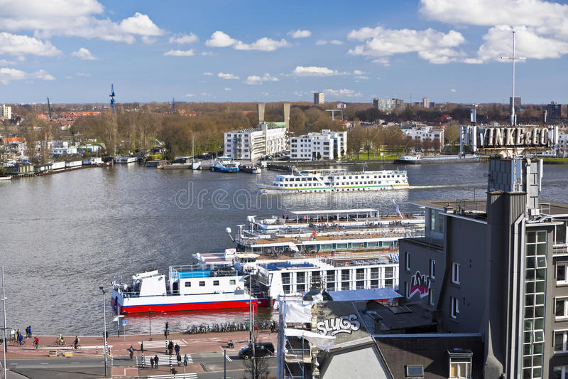 Ferry de la rivière IJ Amsterdam photos stock