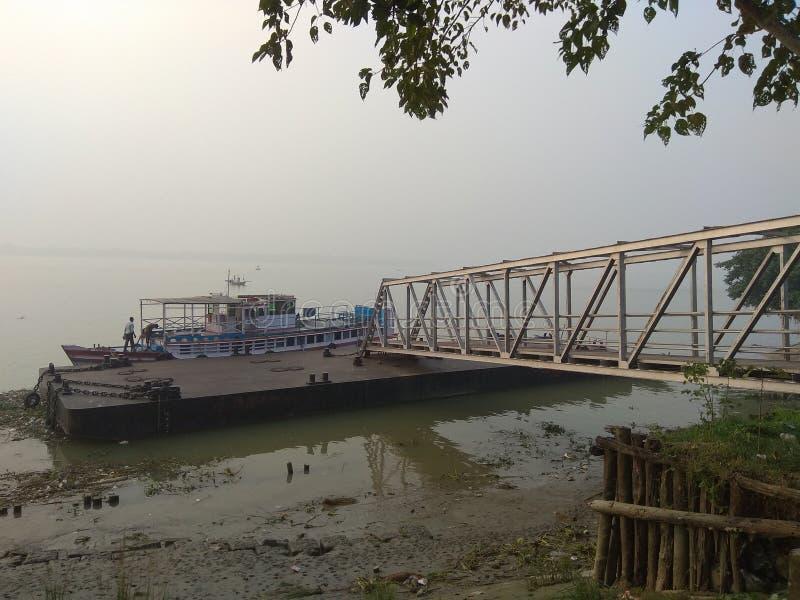 Ferry Ghat royaltyfri bild