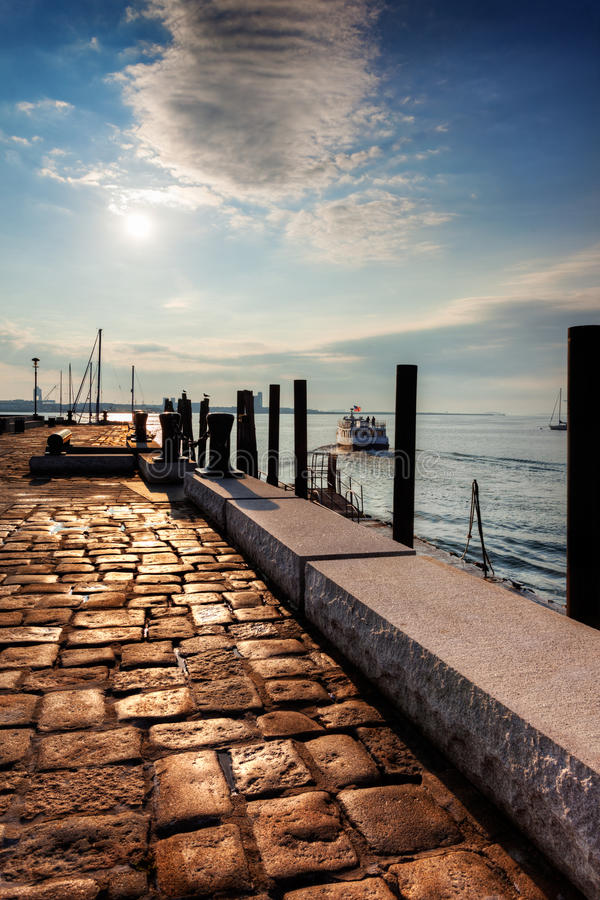 Free Ferry Leaves Long Wharf Royalty Free Stock Image - 27229456
