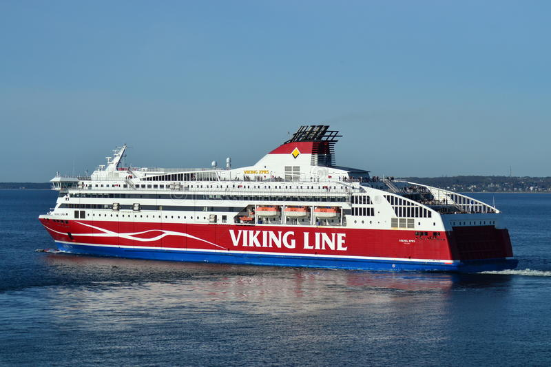 Ferry Viking Line sur la mer baltique photos libres de droits