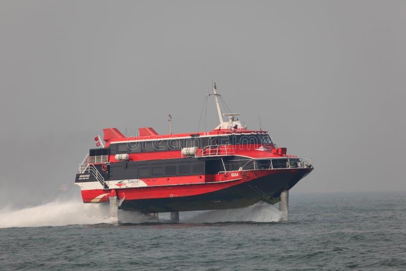 Ferryboat de alta velocidade do hydrofoil imagens de stock