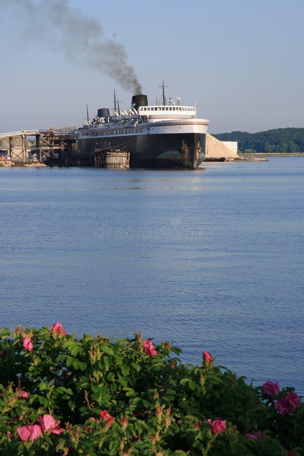 Ferryboat do carro fotos de stock royalty free