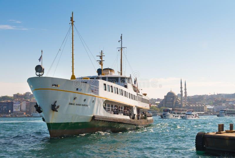 Ferryboat em Istambul foto de stock