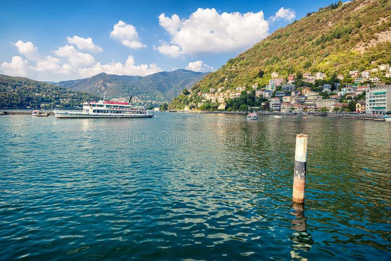 Ferryboat w Como obraz stock