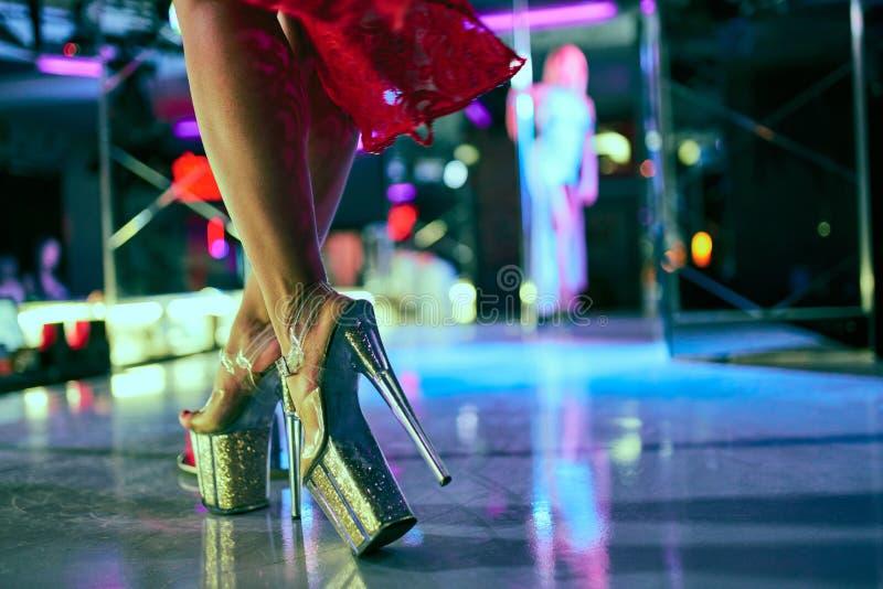 Für frauen striptease Striptease Amateur