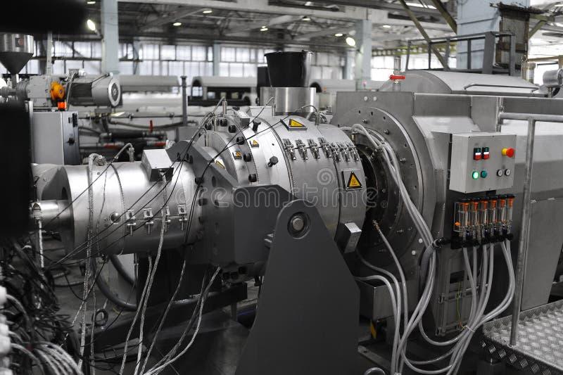 Fertigungs-PVC-Rohre stockbilder