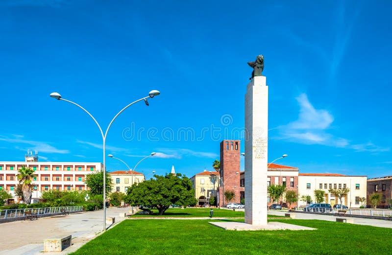 Fertilia小的镇看法在一好日子 免版税库存照片