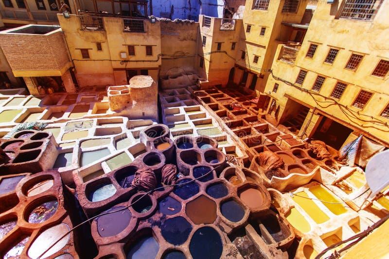 Fes菲斯的tannerie的摩洛哥,非洲皮革厂老坦克 库存照片