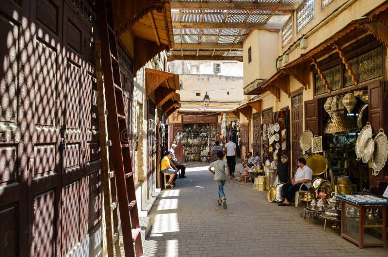 FES, MAROCCO, il 31 maggio 2012 - vita quotidiana in Medina di Fes immagini stock libere da diritti