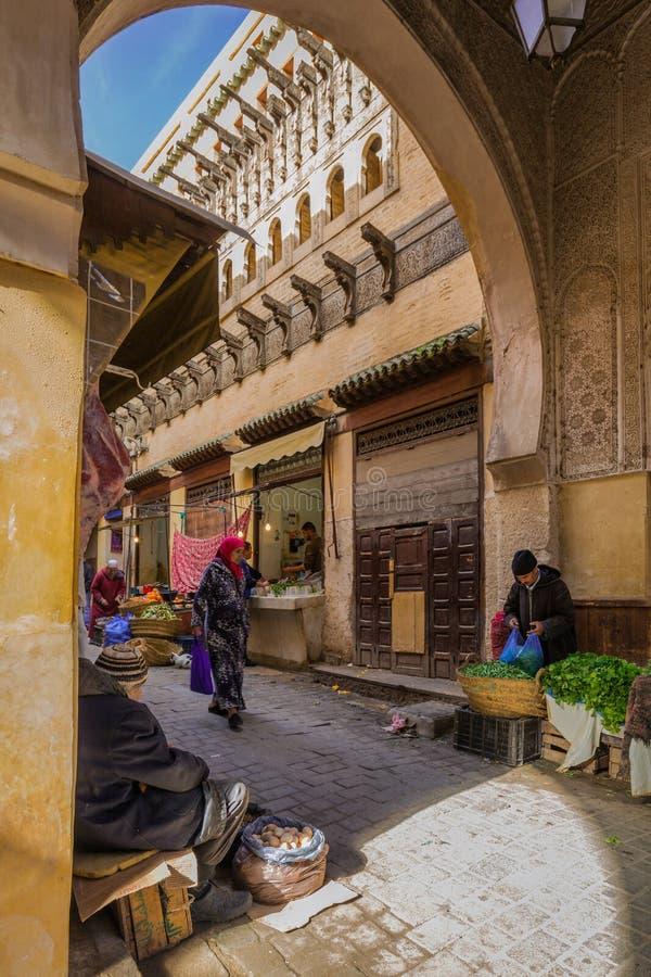 Fes, Marokko - Maart 01, 2017: Madrasa in Fes Medina, Marokko royalty-vrije stock foto's