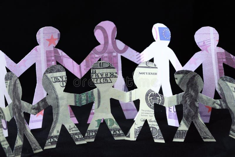 Festão dos homens, dos dólares e dos euro de papel imagens de stock
