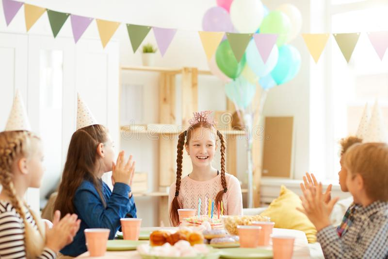Festa de anos feliz fotografia de stock royalty free