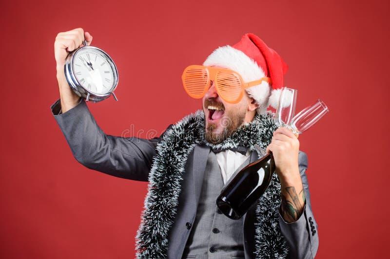 Festa de Natal incorporada O tempo comemora o feriado de inverno Chapéu de Santa do chefe para comemorar o ano novo ou o Natal Na imagens de stock royalty free