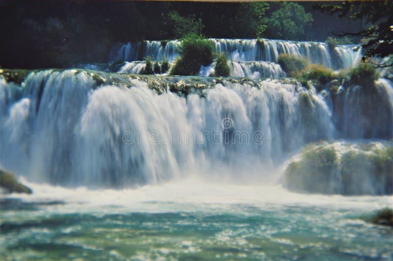 Festa di viaggio di acqua della destinazione di krka delle cascate della Croazia immagini stock