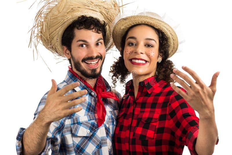 Festa Junina: partido em Brasil Manta vestindo dos pares brasileiros sh fotos de stock