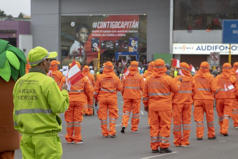 Feste nazionali del peruviano di parata del personale di pulizia immagine stock