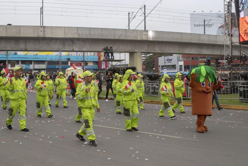Feste nazionali del peruviano di parata del personale di pulizia immagine stock libera da diritti