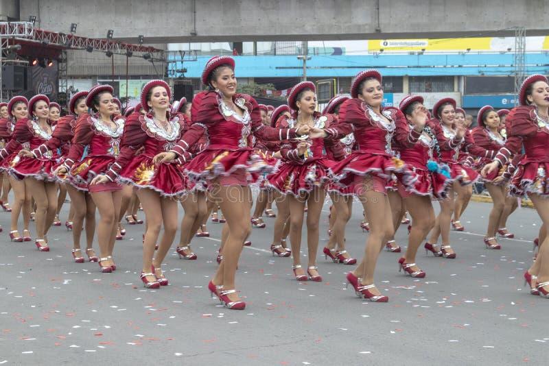 Feste nazionali folcloriche del peruviano di parata di balli fotografie stock