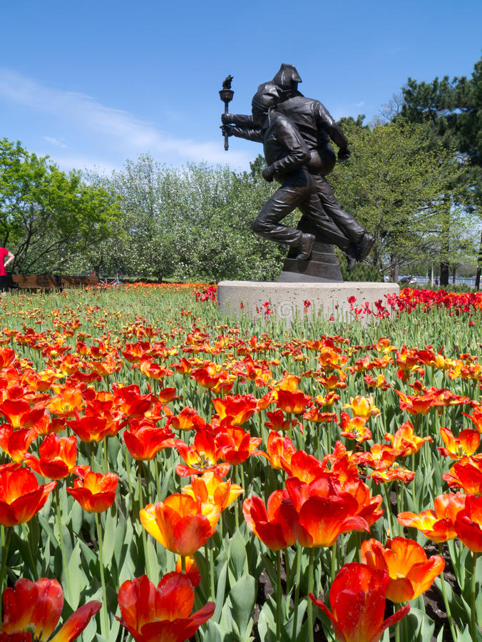 Festival 2012 de tulipe d'Ottawa - statue olympique photos libres de droits