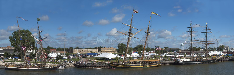 Festival alto panoramico, panorama della nave di navigazione immagini stock