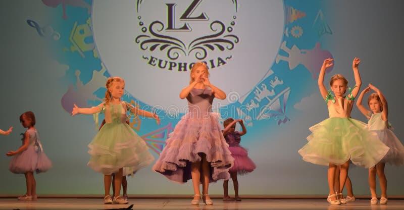 Festival caritativo XVII de Rusia, St Petersburg 01,06,2019 de la creatividad de los niños fotos de archivo libres de regalías