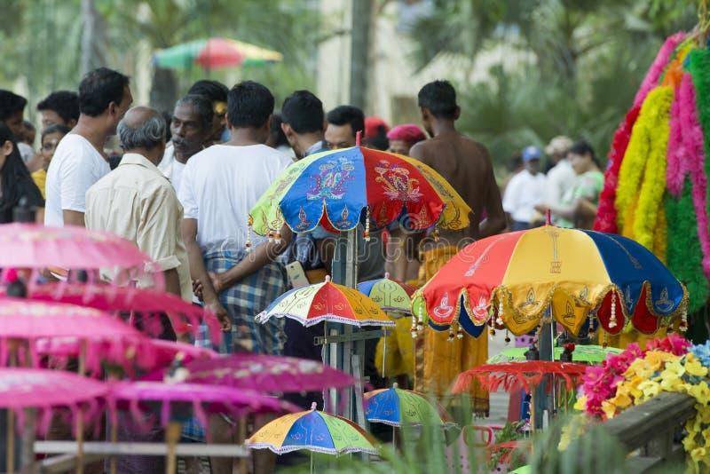 FESTIVAL DA CAMINHADA DE FOGO DE ÁSIA MYANMAR YANGON foto de stock