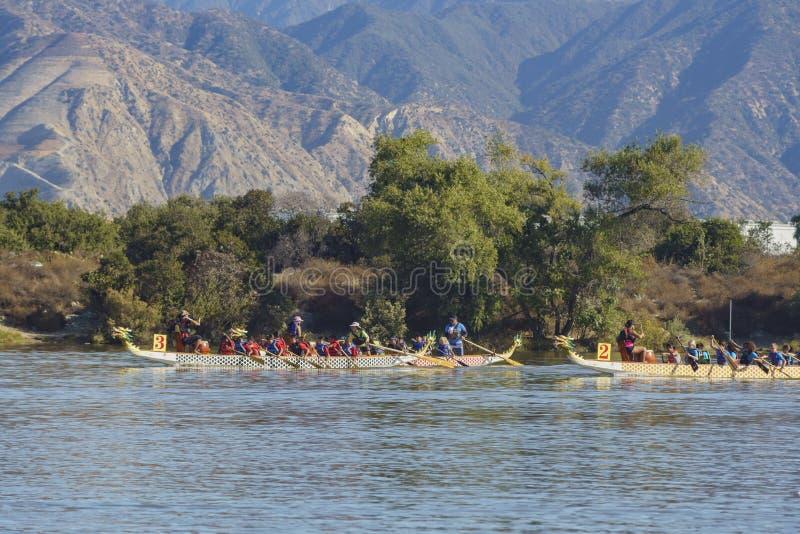 Festival de barco de dragón en Santa Fe Dam Recreation Area imagen de archivo libre de regalías