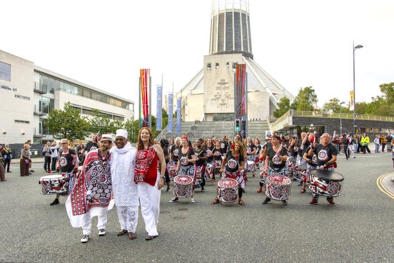 Festival de Brazilica - samba en la ciudad Liverpool - la mudanza Keep imágenes de archivo libres de regalías