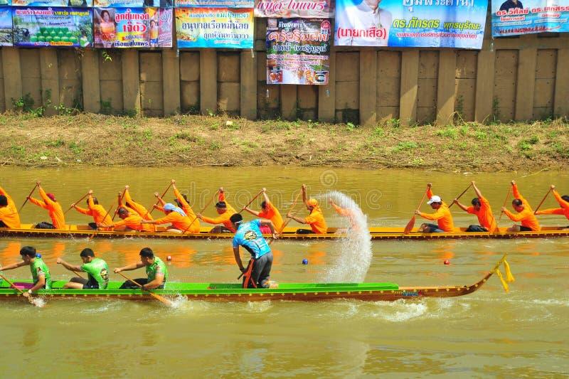Festival de carreras de botes de agua foto de archivo