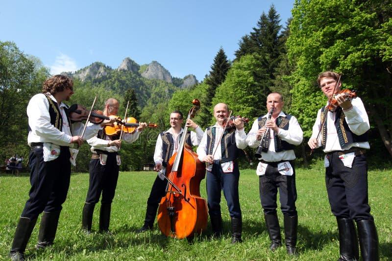 FESTIVAL DE GENS DE L'EUROPE SLOVAQUIE CERVENY KLASTOR photographie stock libre de droits