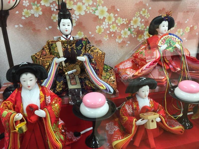 Festival de Hina-matsuri o de la muñeca adentro imagenes de archivo