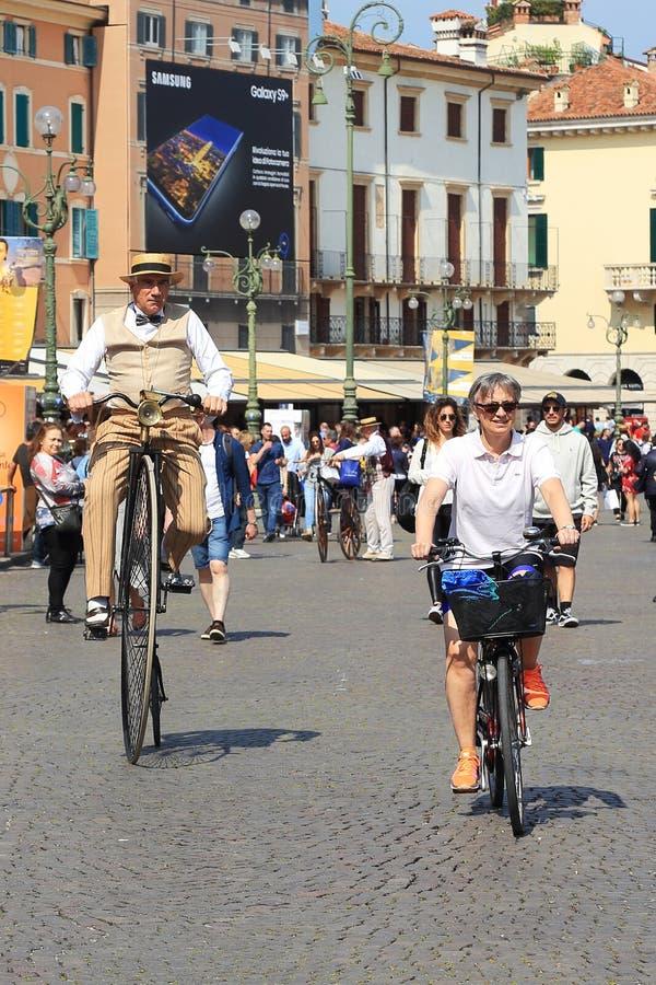 Festival de la bicicleta en Verona foto de archivo