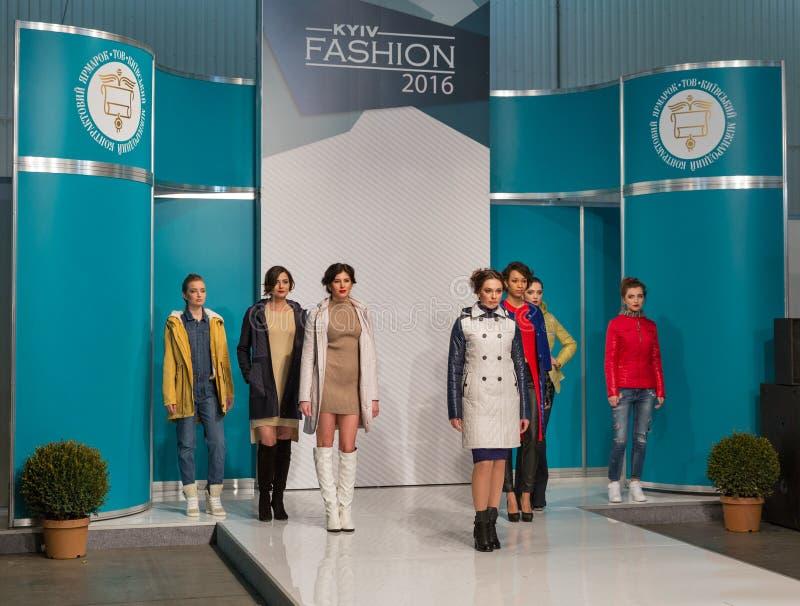 Festival 2016 de la moda de Kyiv de la voga en Kiev, Ucrania fotografía de archivo libre de regalías